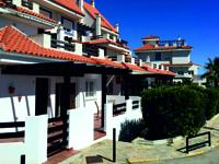 SPACIOUS GROUND FLOOR APARTMENT in a quiet gated community in Manilva